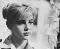 This is sue lyon death photo new